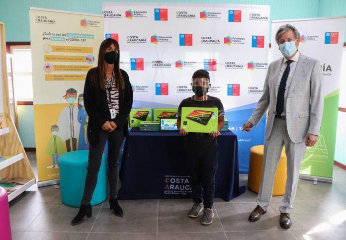 Servicio Local de Educación entrega 485 tablets a estudiantes de establecimientos rurales del territorio