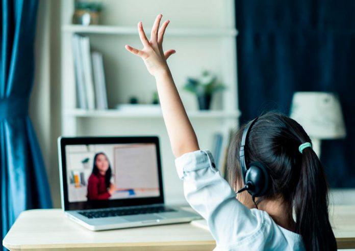 Silencios y cámaras apagadas: Consejos para incentivar la participación de los/as estudiantes
