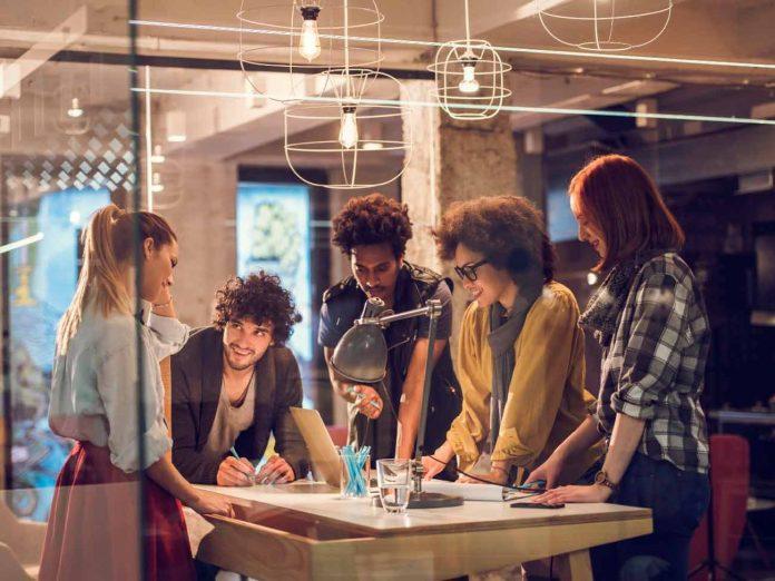 """""""Mi primer trabajo"""": El programa que acompaña a jóvenes en su primera experiencia laboral"""