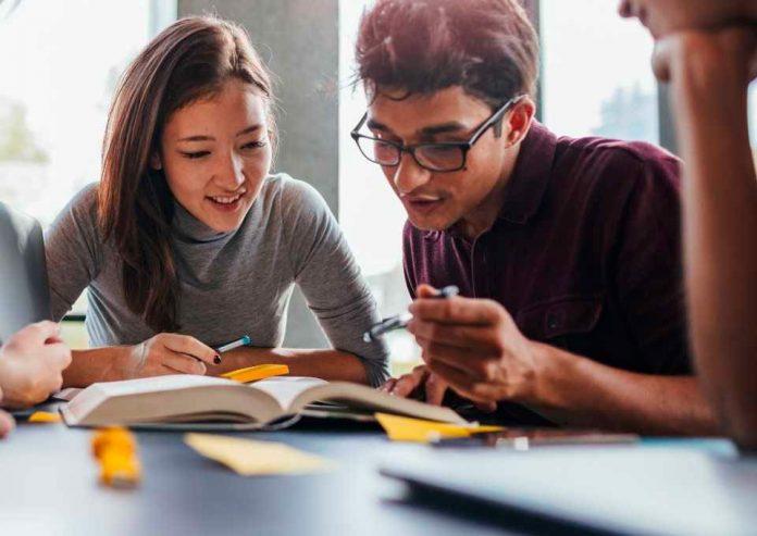 La formación emocional que imparte el preuniversitario gratuito para los jóvenes de Puente Alto