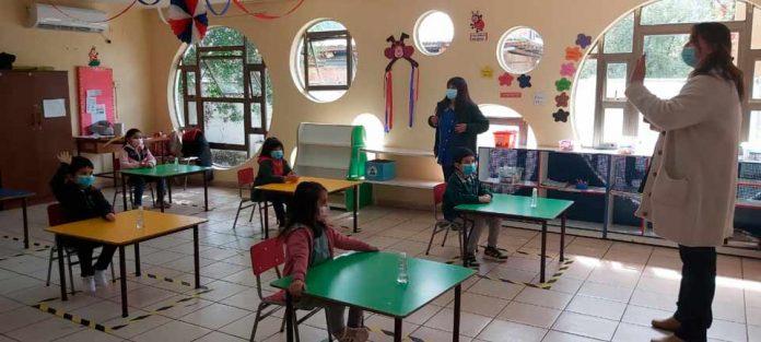 Nuevo sistema de registro permite monitorear semanalmente a niñas y niños que están en riesgo de exclusión escolar